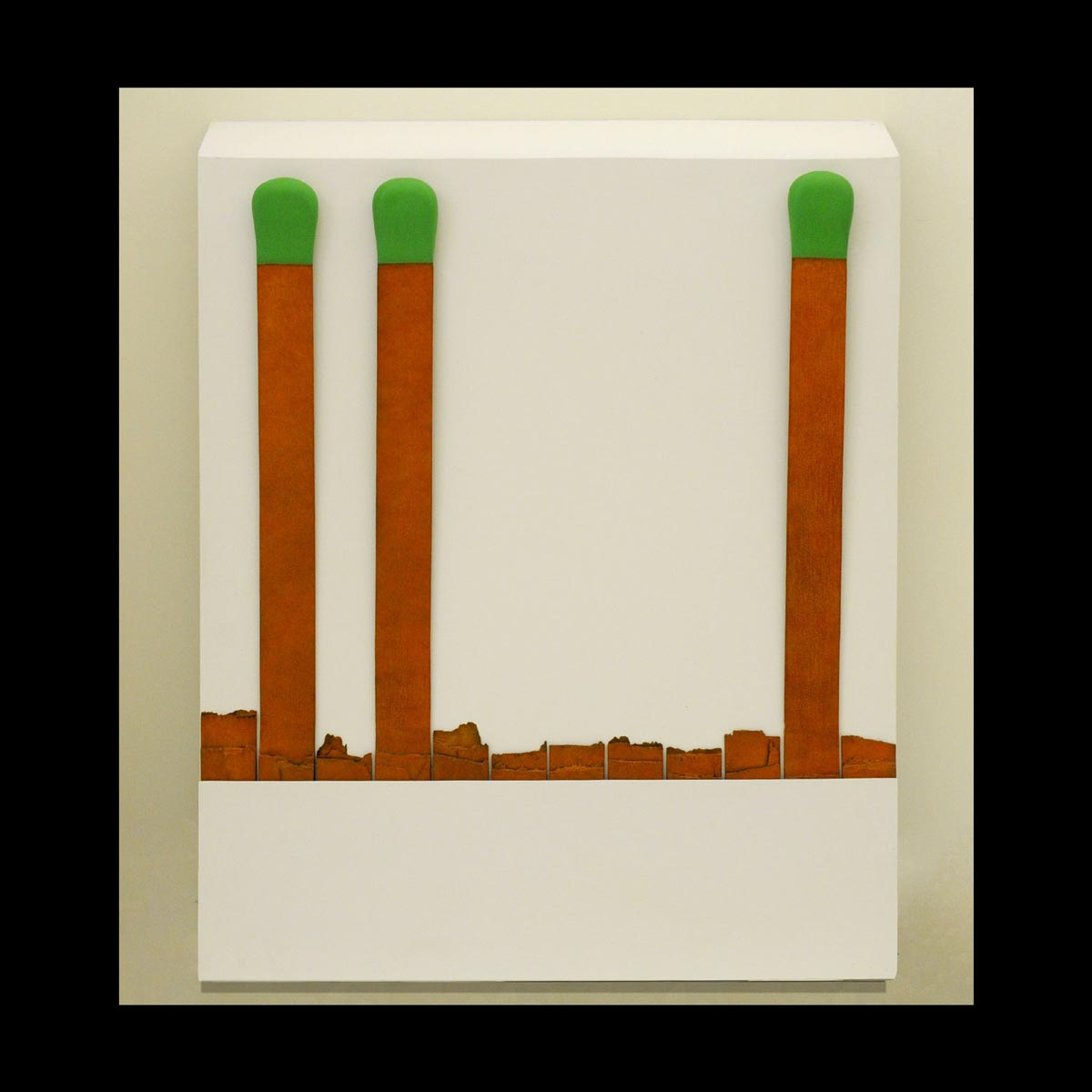 Raymond Hains, Sans titre (Pochette d'allumettes), 2005. Bronze à la cire perdue, patiné, 97,5 x 78,5 x 12 cm