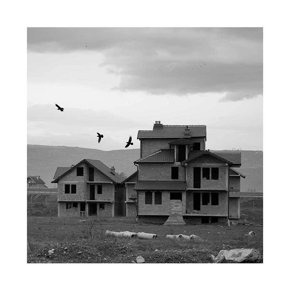 Adrien Pezennec, House Mitrovica, from the series Almost history, 2014
