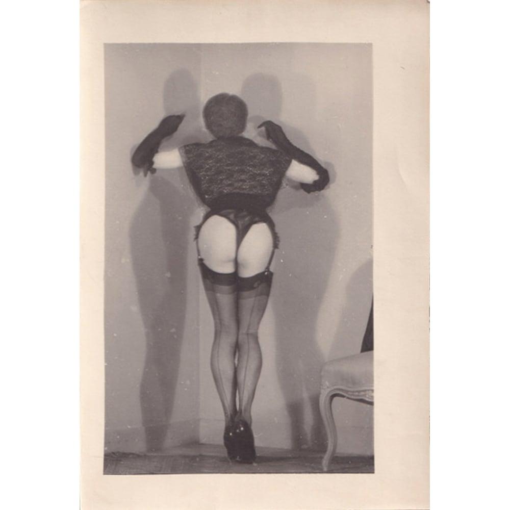 """Pierre Molinier """"Autoportrait debout de dos"""", circa 1965"""